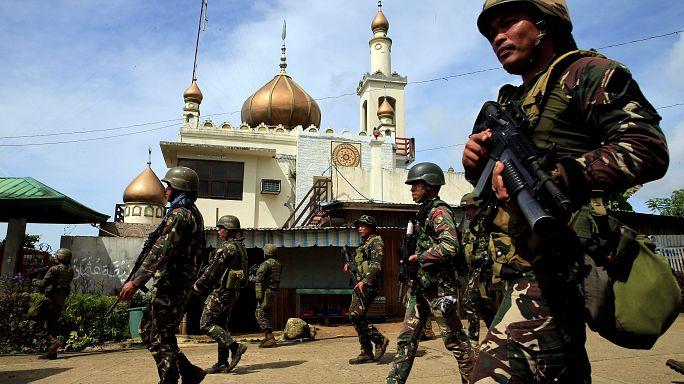 القوات الفليبينية تحاصر مقاتلين اسلاميين في مراوي ذات الأغلبية المسلمة