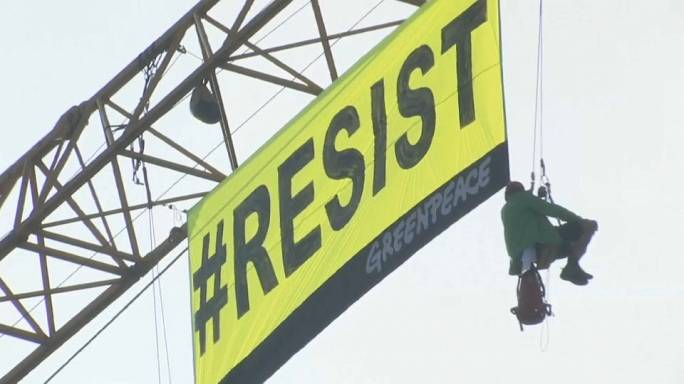 Greenpeace protestiert gegen Trump-Besuch