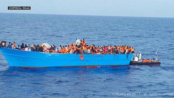 У ливийских берегов снова тонут люди