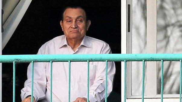 القضاء المصري يبقي قرار الحجز على أموال مبارك في المقاصة