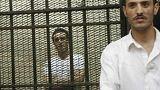القبول بالطعن على حبس أحمد دومة بتهمة إهانة القضاء المصري