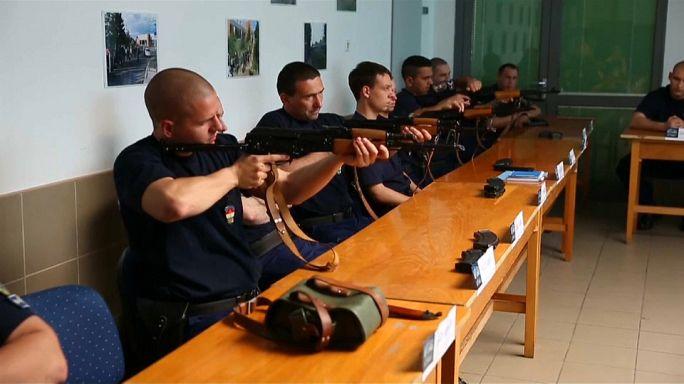 """La Hongrie forme ses """"chasseurs à la frontière"""""""