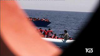 Refugiados: ONGs denunciam abordagem agressiva da guarda-costeira líbia