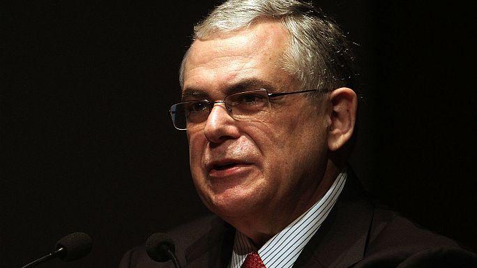 Grecia: Herido el ex primer ministro Lucas Papademos en la explosión de una carta bomba
