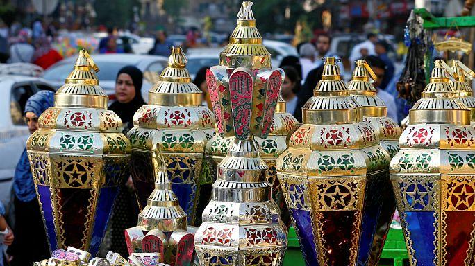عدد من الدول العربية تعلن السبت أول أيام رمضان والبقية تنتظر المزيد من التحري