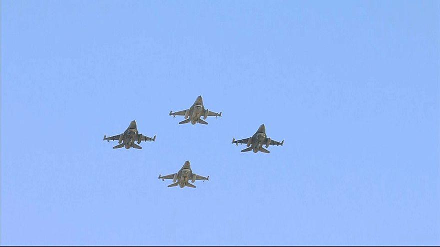 NATO Zirvesi'nde liderlere savaş uçaklı gösteri