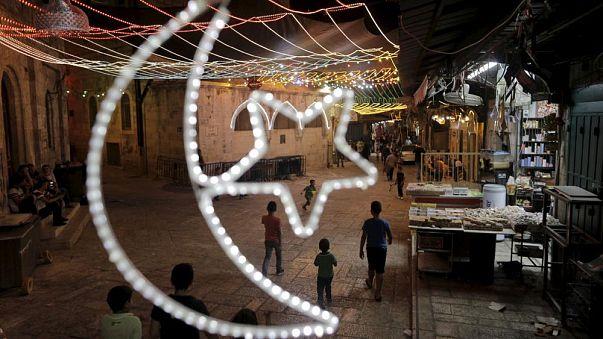 هل تعرف أي بلد عربي سيصوم سكانه أطول مدة في رمضان؟