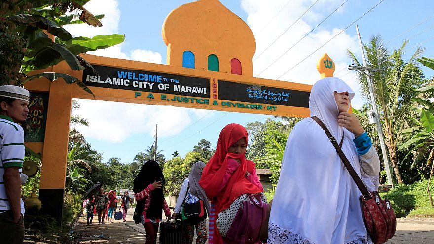 درگیری ارتش فیلیپین و گروه وابسته به داعش در شهر مراوی