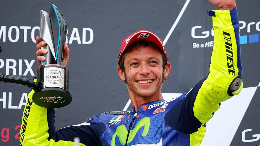 Valentino Rossi sufre un accidente de motocross