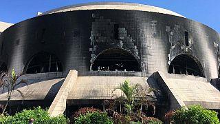 La Chine va réhabiliter le Parlement incendié du Gabon