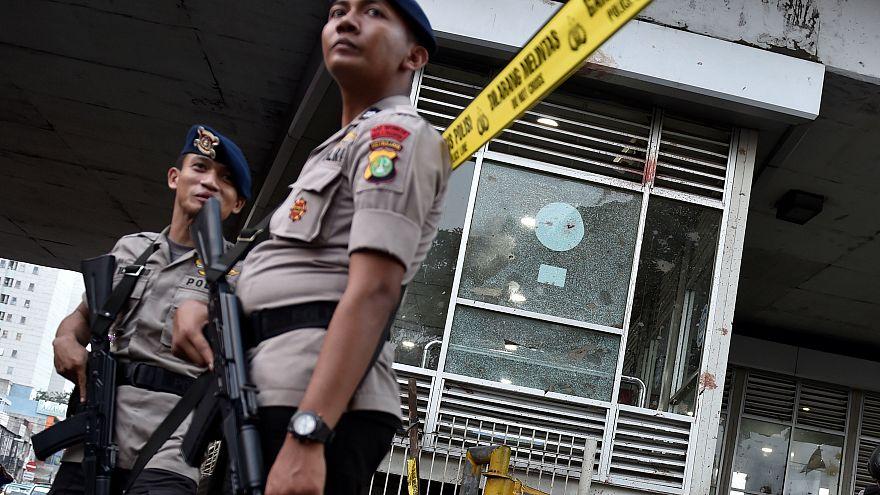 اندونيسيا: توقيف ثلاثة أشخاص للاشتباه بتورطهم في تفجير جاكرتا