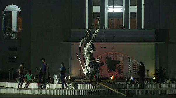 Lebontották a görög istennő szobrát Bangladesben