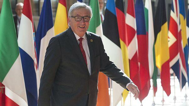 Γιούνκερ: «Οφείλουμε να σεβόμαστε την Ελλάδα»