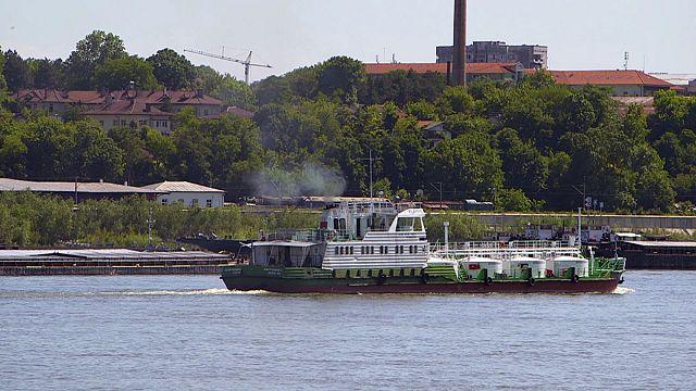 Como tornar o transporte fluvial de mercadorias mais ecológico?