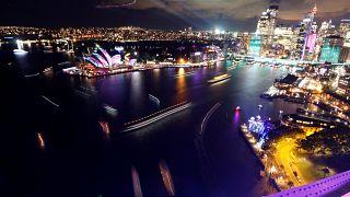 Lichterfest: Fantasiegeschöpfe auf Sydneys Oper