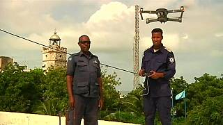أمريكي يتبرع بطائرات بدون طيار للشرطة الصومالية بهدف مكافحة الإرهاب