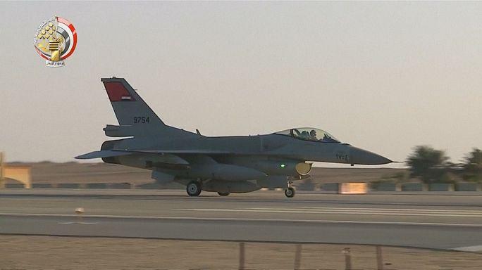 ВВС Египта нанесли удары по боевикам в Ливии