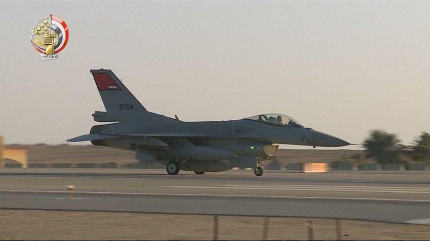 Egito lança ataque aéreo contra jihadistas na Líbia