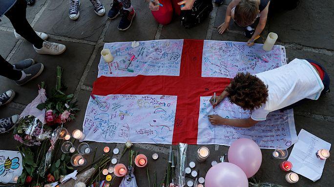 الشرطة البريطانية تعتقل شخصين آخرين يشتبه في ارتباطهما بهجوم مانشيستر