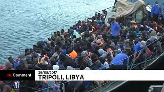 اعتراض سفينة تقل 562 مهاجرا قبالة السواحل الليبية