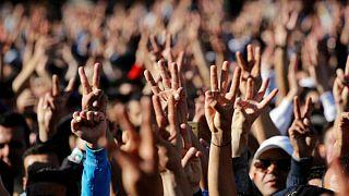 صدامات بين الشرطة و متظاهرين في الحسيمة بعد صلاة التراويح