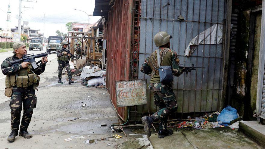 Filipinas: se recrudecen los combates. Huida masiva de civiles
