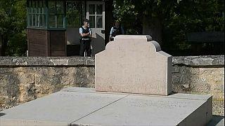 Frankreich: De Gaulles Grab geschändet