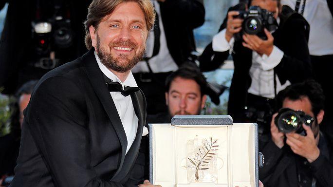 """Yetmişinci Cannes Film Festivali'nde Altın Palmiye ödülünü İsveçli yönetmen Ruben Östlund """"The Square"""" filmiye kazandı"""