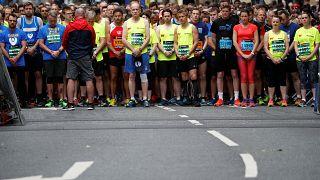 Manchester saldırısı: Sporculardan saygı duruşu