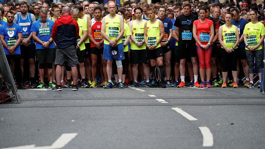 Silêncio no arranque da meia maratona de Manchester