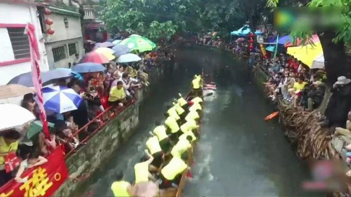 سباق قوارب التنين...موعد سنوي للاحتفال و التنافس