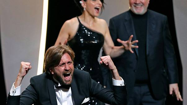 """Cannes: Palma d'Oro a """"The Square"""" di Ruben Ostulnd"""