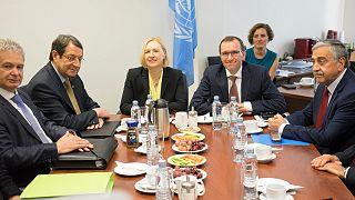 Κυπριακό: Εκστρατεία της Λευκωσίας για αποτροπή του αδιεξόδου