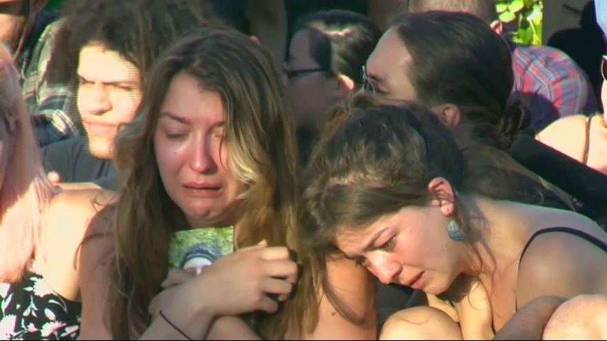 Vigilia por los dos muertos al defender a dos musulmanas en Portland