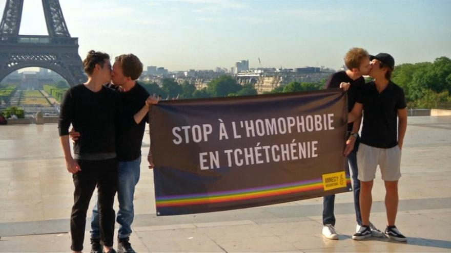 Tiltakozás a csecsenföldi melegek üldözése ellen