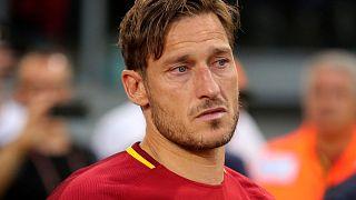 Totti 25 yıldır giydiği Roma formasına veda etti
