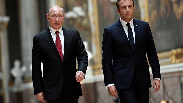 Macron ve Putin'den ilk yüz yüze görüşme