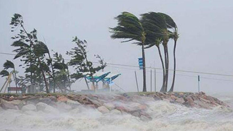 الإعصار مورا يجتاح جنوب شرق بنغلاديش