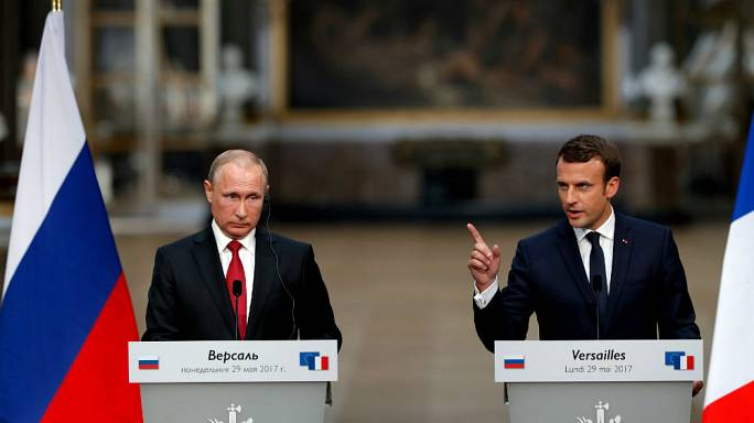 """Macron'dan Kremlin destekli medyaya """"yalana dayalı propaganda araçları"""""""