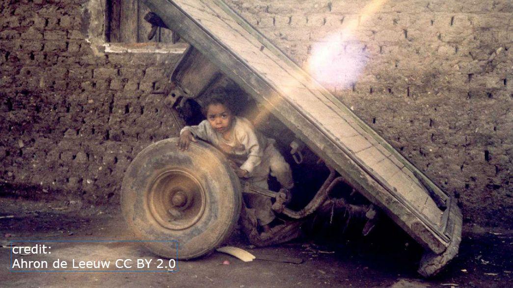 """""""حزام الفقر"""" في مصر يدفع بجيل ثالث إلى الشارع"""