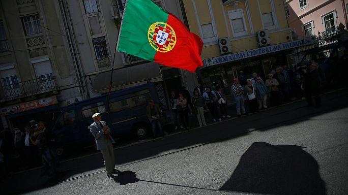 Portugal:Desemprego mantém-se em 9,8% em abril