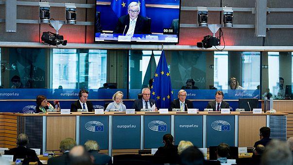 Junckert még kísérti a múltja
