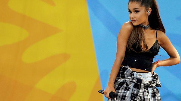 Ariana Grande singt für die Toten von Manchester