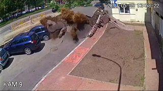 Underground water pipe explodes in Kyiv