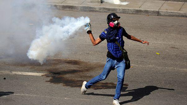 Caracas: Gummigeschosse gegen Demonstranten