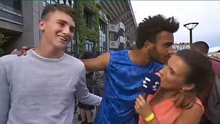 تنیسباز فرانسوی به دلیل بوسیدن یک گزارشگر از اوپن فرانسه محروم شد