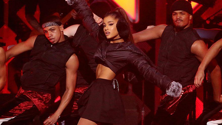 Ariana Grande Manchester'a geri dönüyor