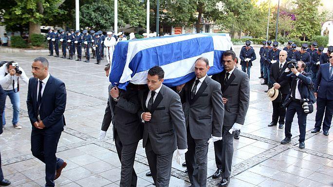 Греки простились с экс-премьером