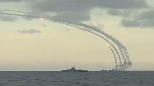 روسيا تطلق صواريخ على مواقع تنظيم الدولة الإسلامية قرب تدمر