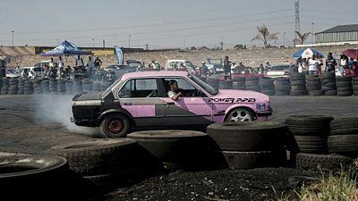 Namibie : des femmes se lancent dans le rodéo automobile